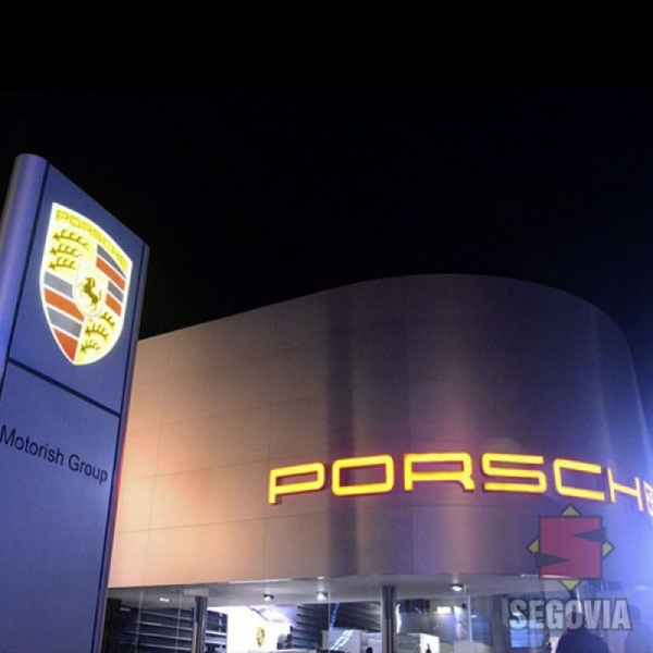 Fachada de local Porsche
